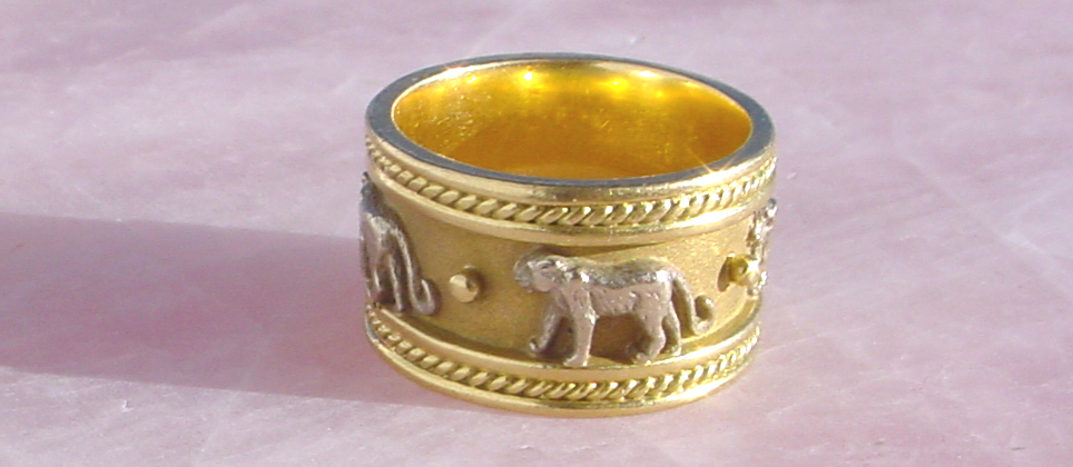 jaguar gold ring 18 k