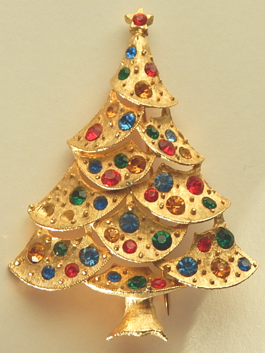 Signed J.J. Rhinestone Christmas Tree Pin
