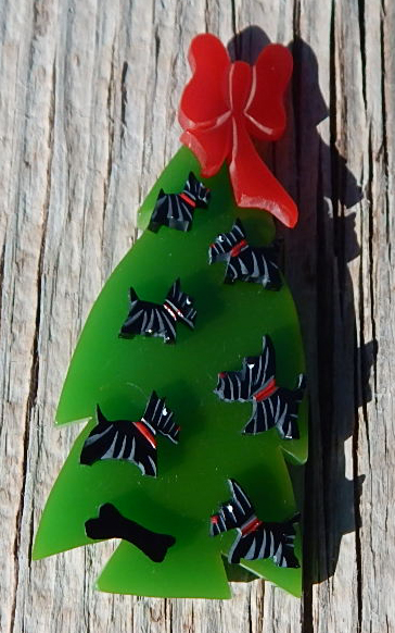 jim foltz bakelite christmas tree pin