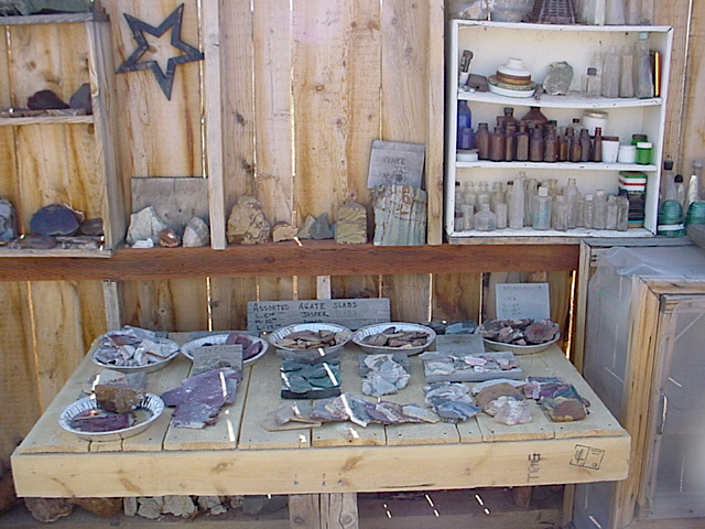 Escalante Rock Shop 4