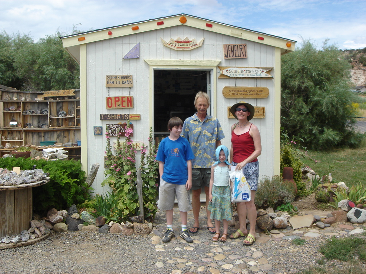 Escalante Rock Shop Visitors