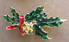 S360 Holiday pin enamel holly leaf