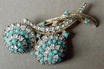 Ciner blue rhinestone pin