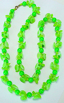 Plastic bead necklace set