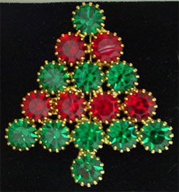 Attruia Christmas tree pin